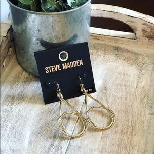 NWT Steve Madden Gold Rhinestone Earrings